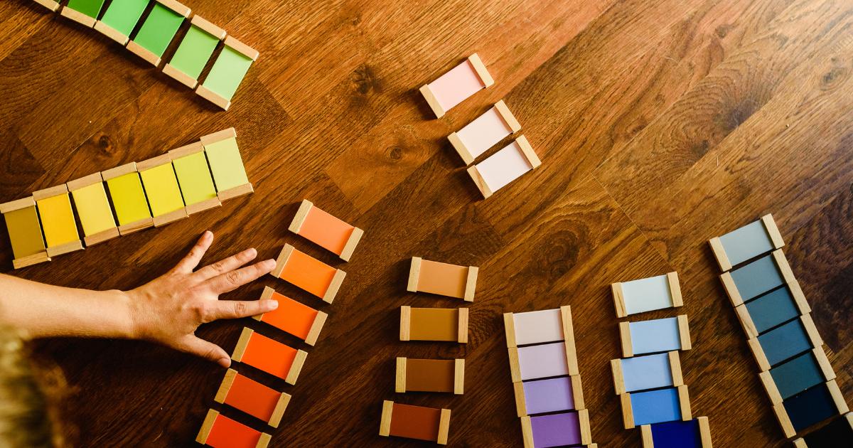 モンテッソーリ教具の色板